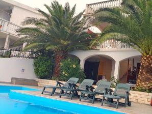 Ferienwohnung Palma Cesarica Karlobag