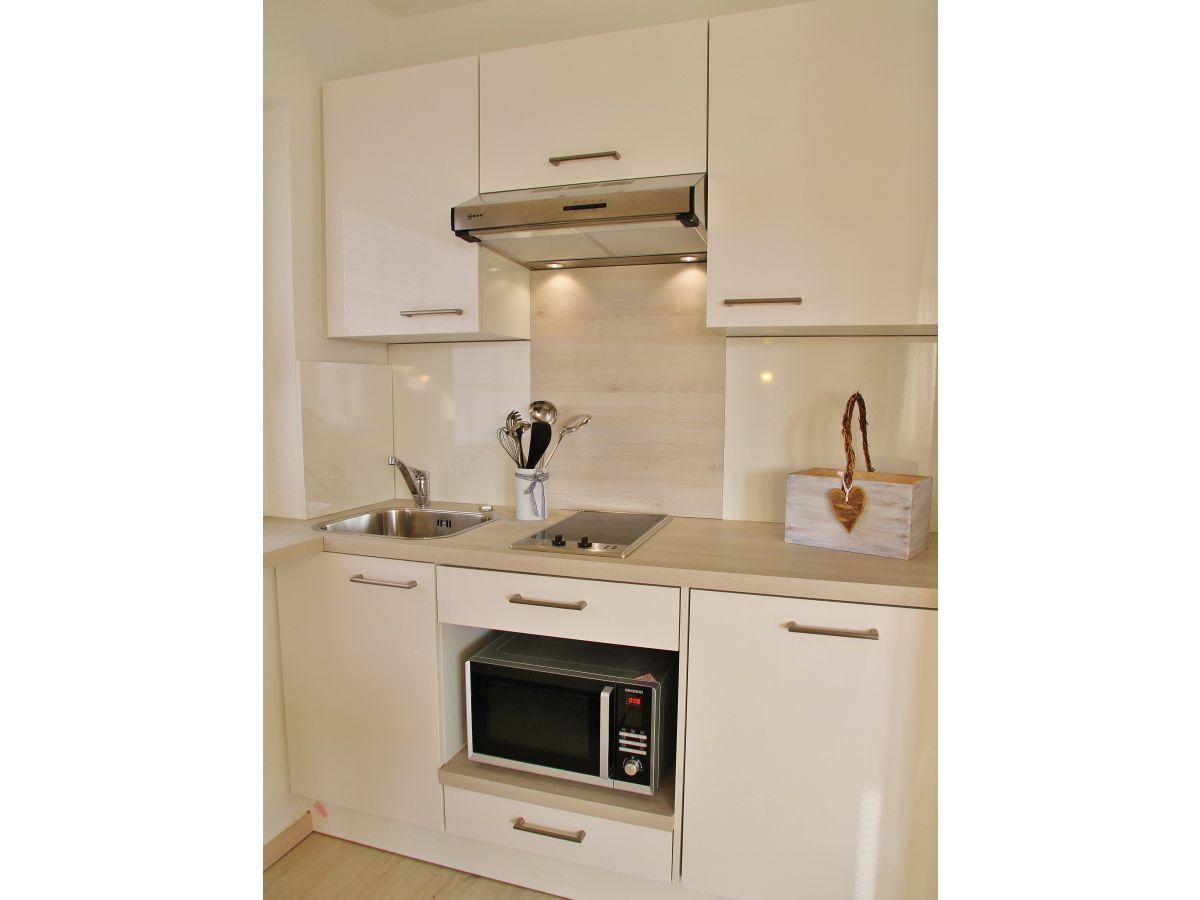 ferienwohnung appartement nr 1 l becker bucht schleswig holstein firma appartementhaus. Black Bedroom Furniture Sets. Home Design Ideas