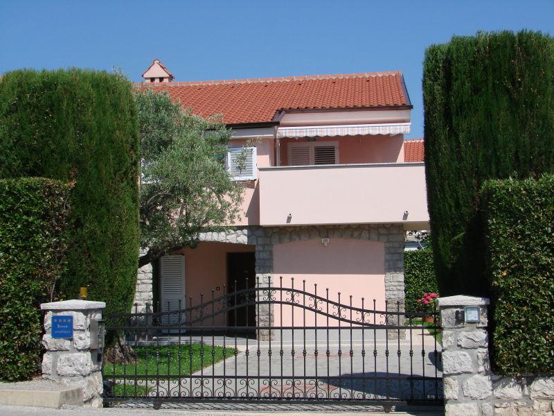 Ferienwohnung Villa Lajnert