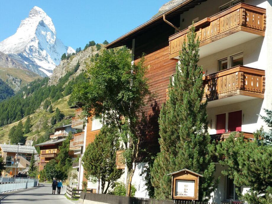 Haus Astral mit Blick auf das Matterhorn