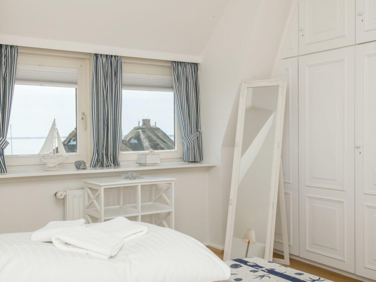 ferienhaus strandhaus sylt firma appartementvermittlung familie clausen frau cornelia clausen. Black Bedroom Furniture Sets. Home Design Ideas