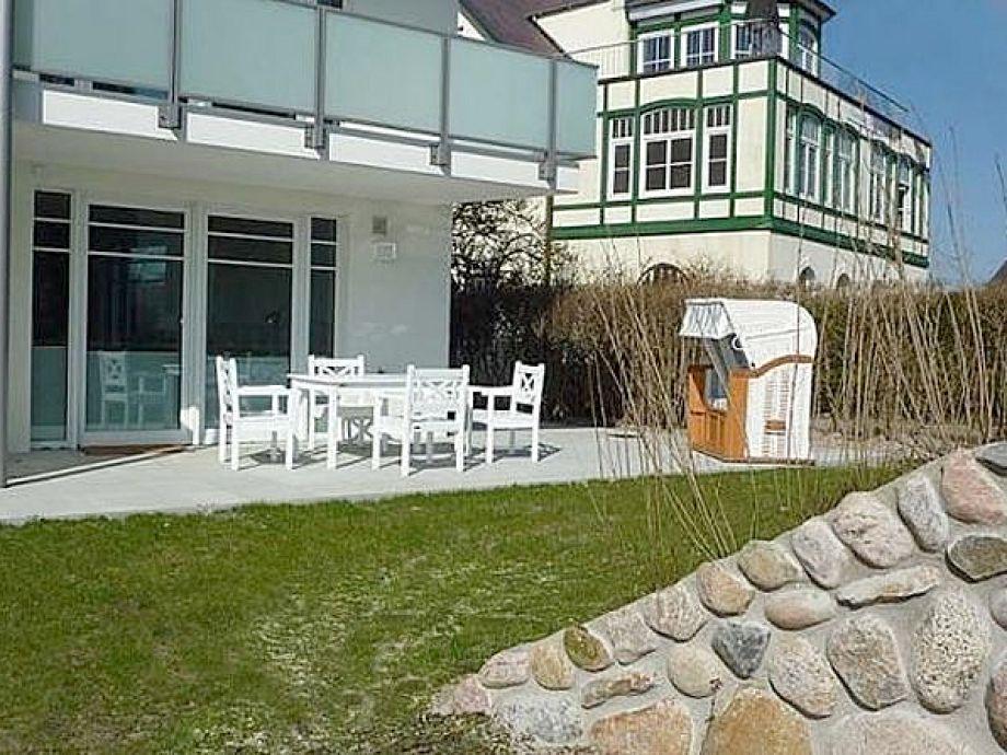 Große Terrasse mit Strandkorb