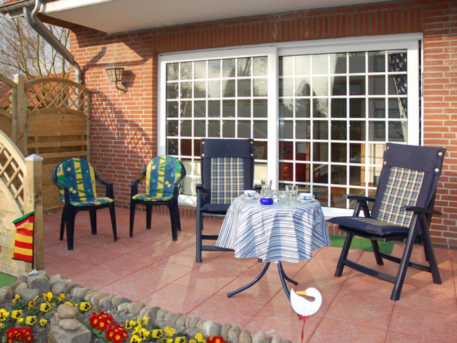 Sonnige Terrasse zum Frühstücken