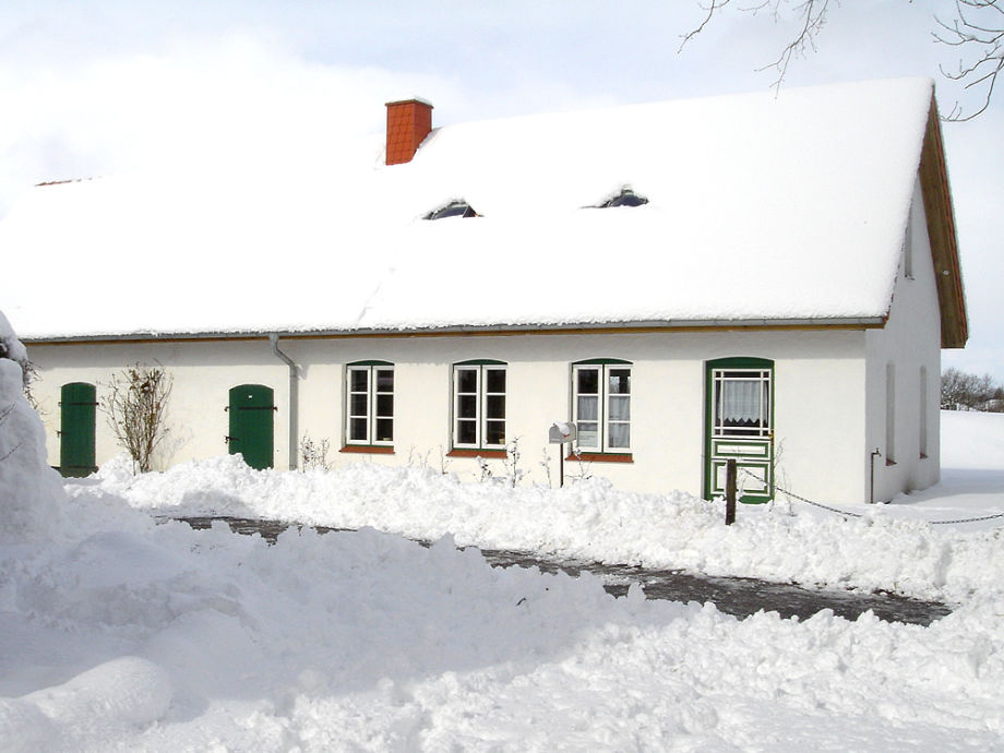 Picture of the house in the winter season