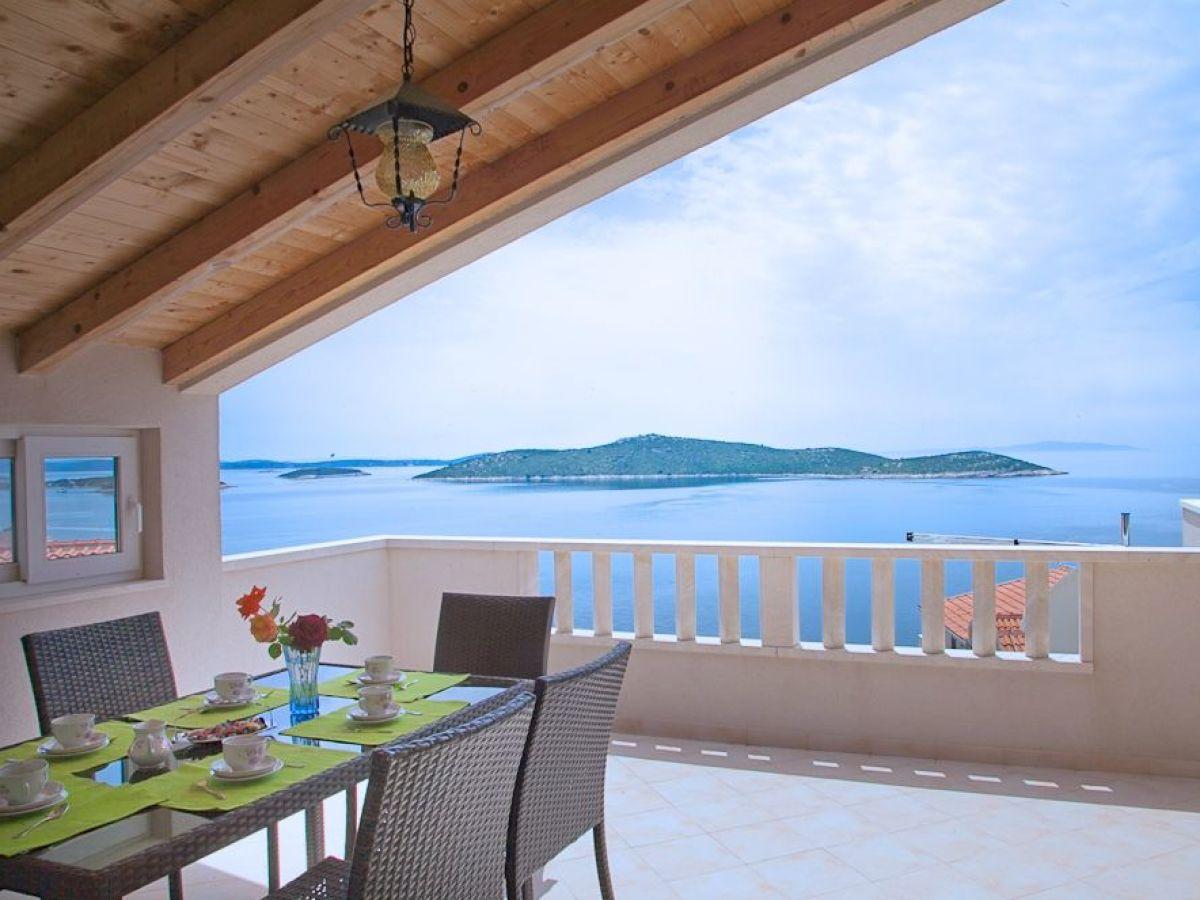 villa valentina dalmatien split umgebung firma my. Black Bedroom Furniture Sets. Home Design Ideas