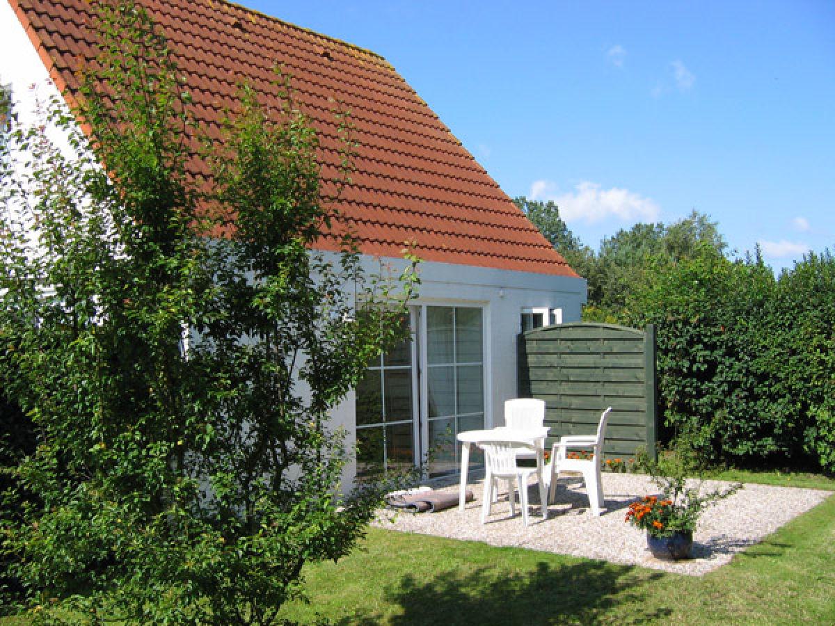 ferienhaus am maisfeld wyk auf f hr nordfriesische inseln nordsee firma agentur mein f hr. Black Bedroom Furniture Sets. Home Design Ideas