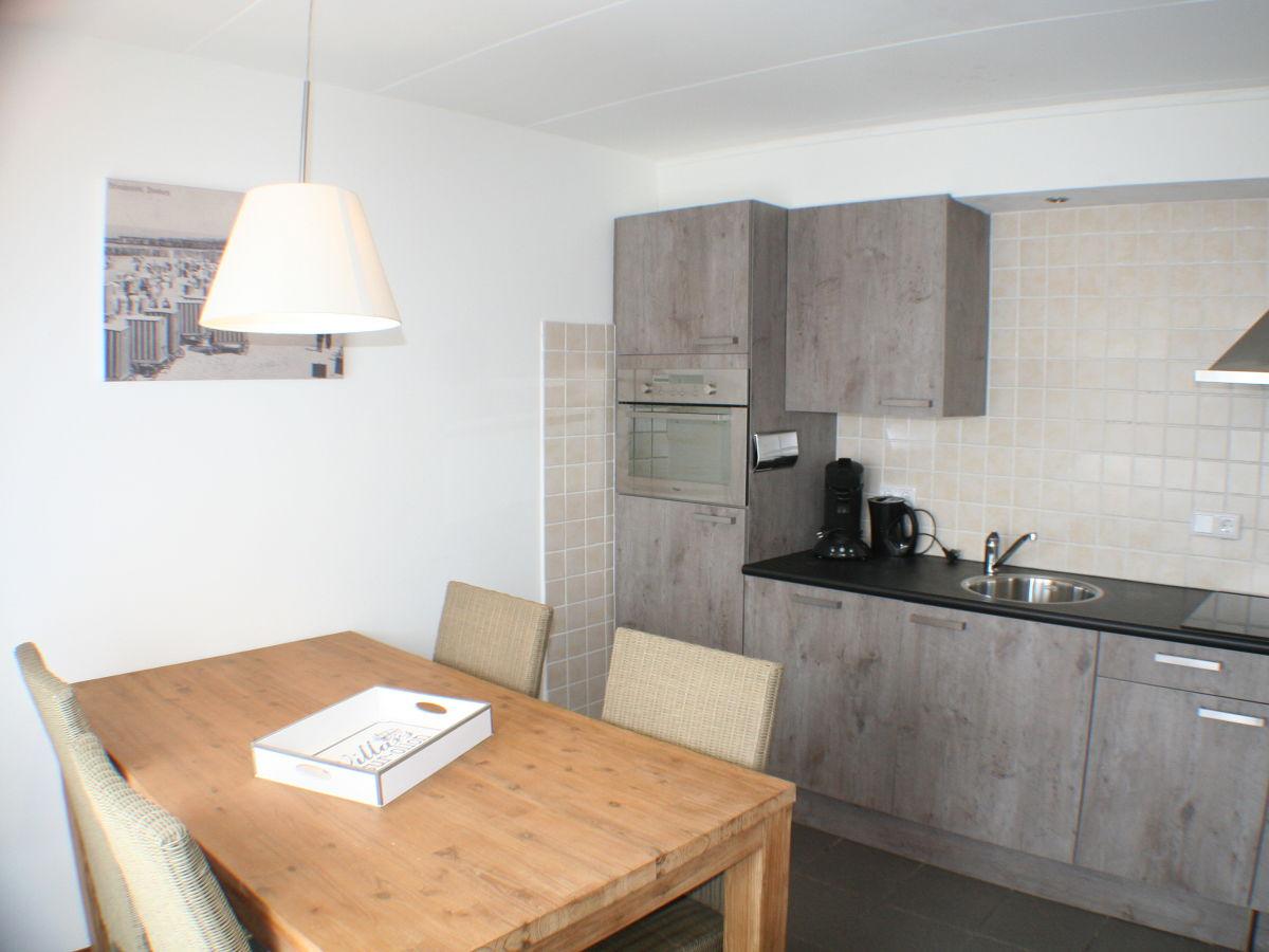 Apartment ewout van dishoeckstraat 9 11 walcheren domburg firma les maisons domburg herr - Schone moderne wohnzimmer ...
