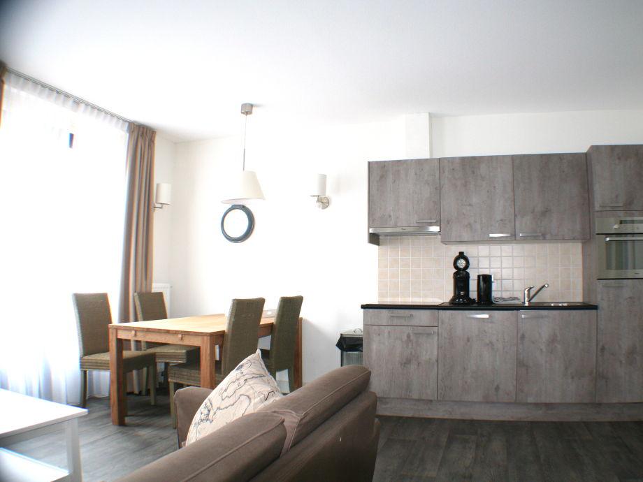 Apartment noordstraat 6 walcheren domburg firma les for Wohnzimmer mit esstisch