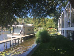 House boat Marina 141 - holiday on the houseboat