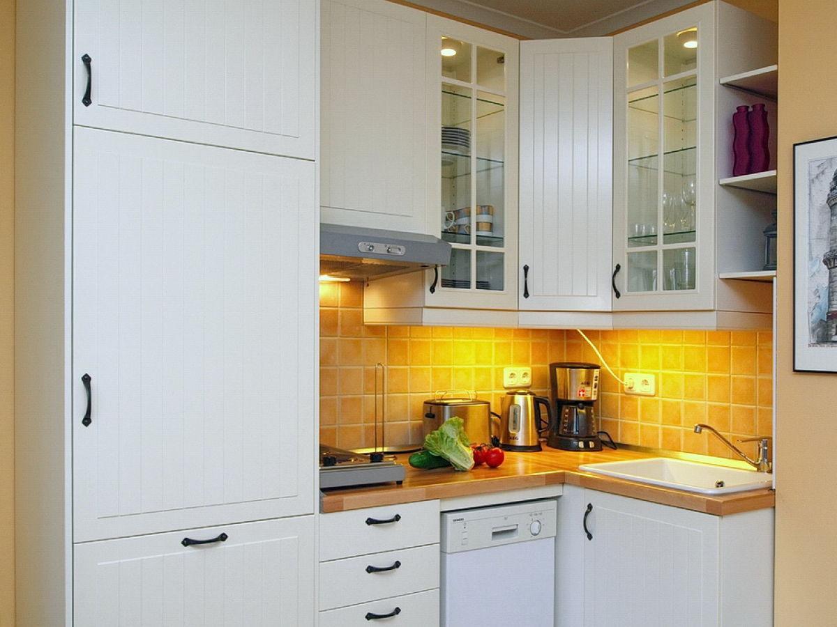 ferienwohnung 11 im haus 4 in der ferienanlage d nenschloss ds 4 11 k hlungsborn west firma. Black Bedroom Furniture Sets. Home Design Ideas