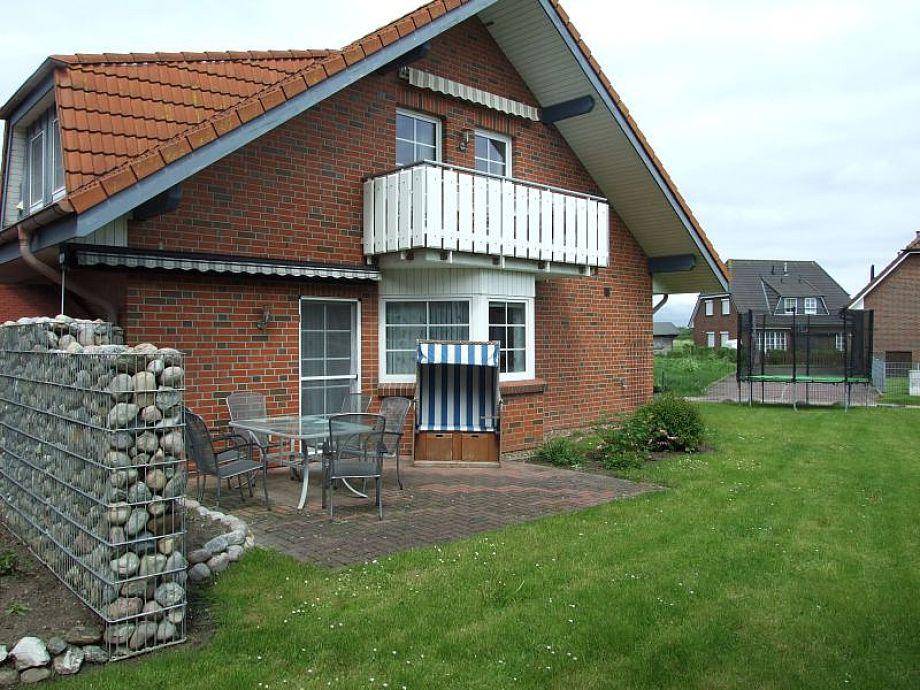 Ansicht Garten mit Terrasse