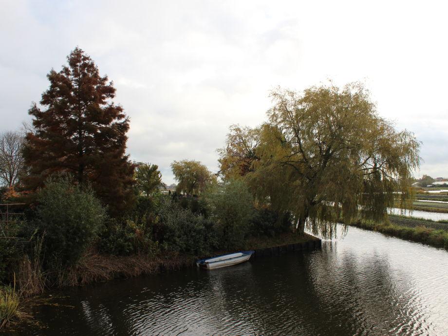 Umgebung Atelier near the water-side
