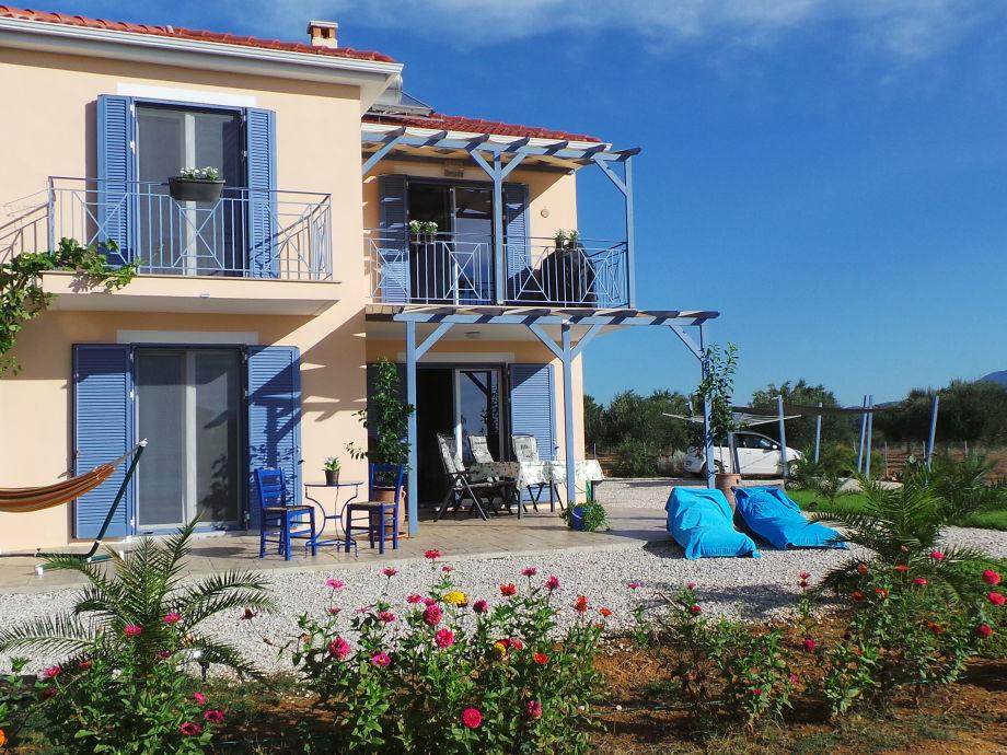 Villa FINIKI