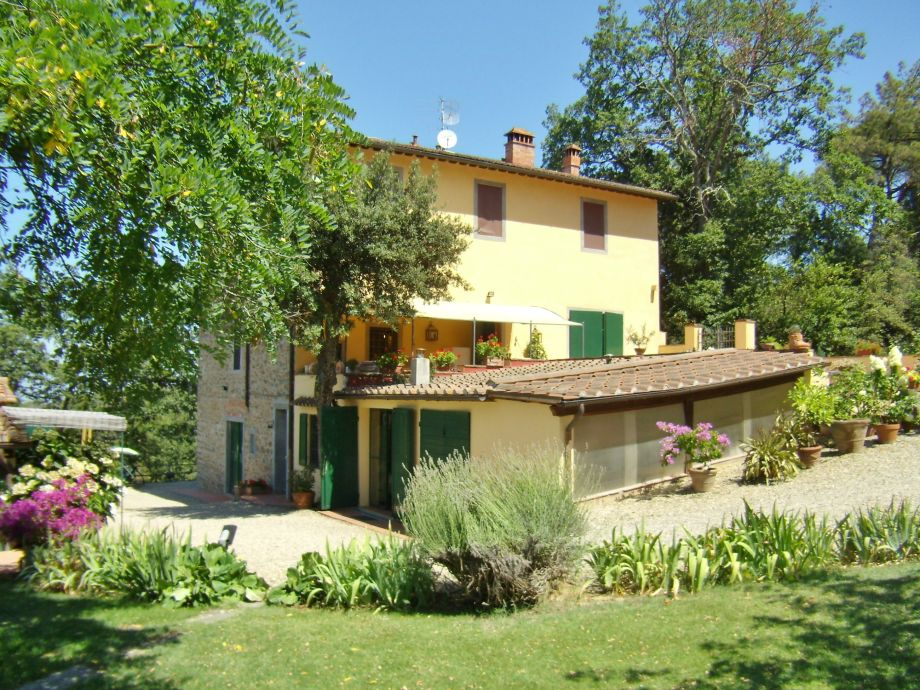 Agriturismo La Tinaia - the farmhouse.