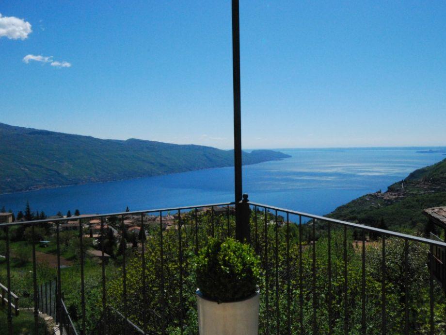Traumhafter Ausblick auf dem Gardasee