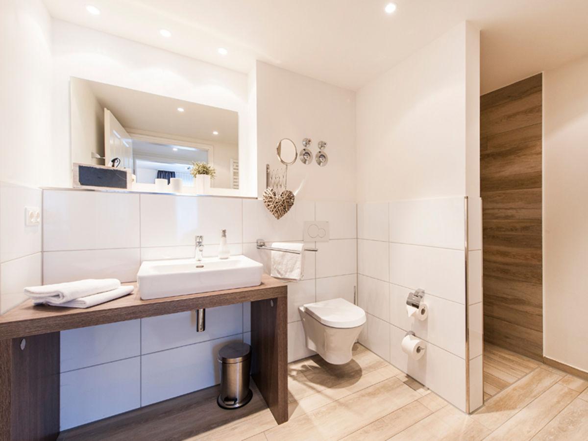 Exklusive ferienwohnung in b sum b sum an der nordsee frau - Exklusive badezimmer accessoires ...