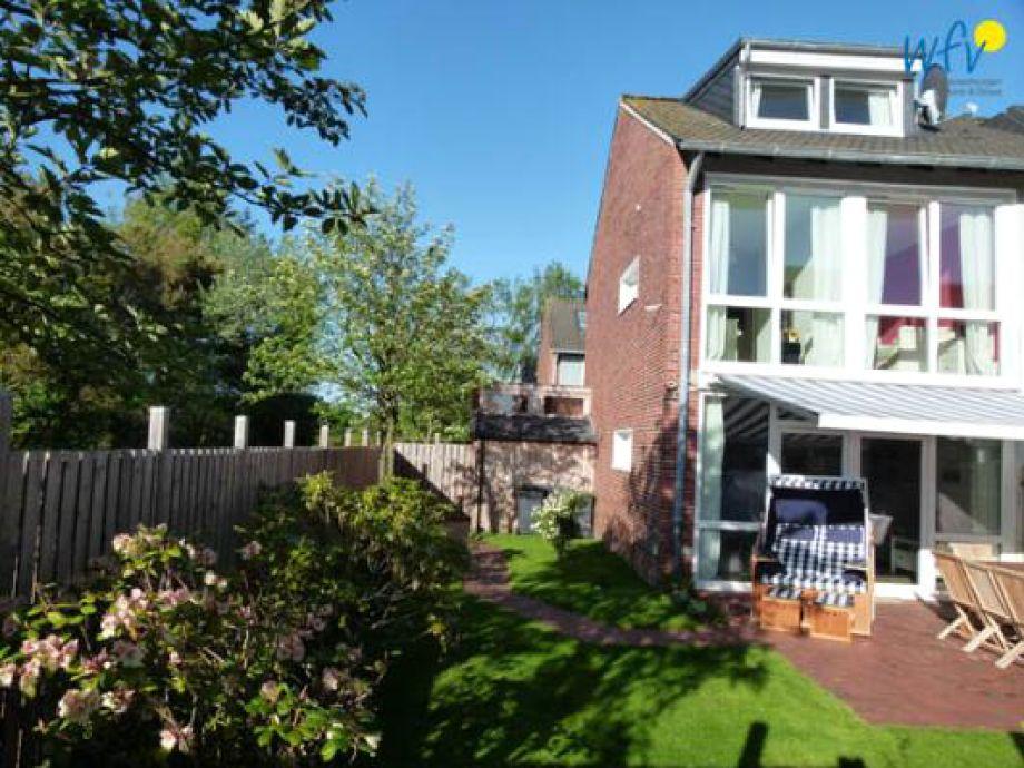 Die Außenansicht mit Garten