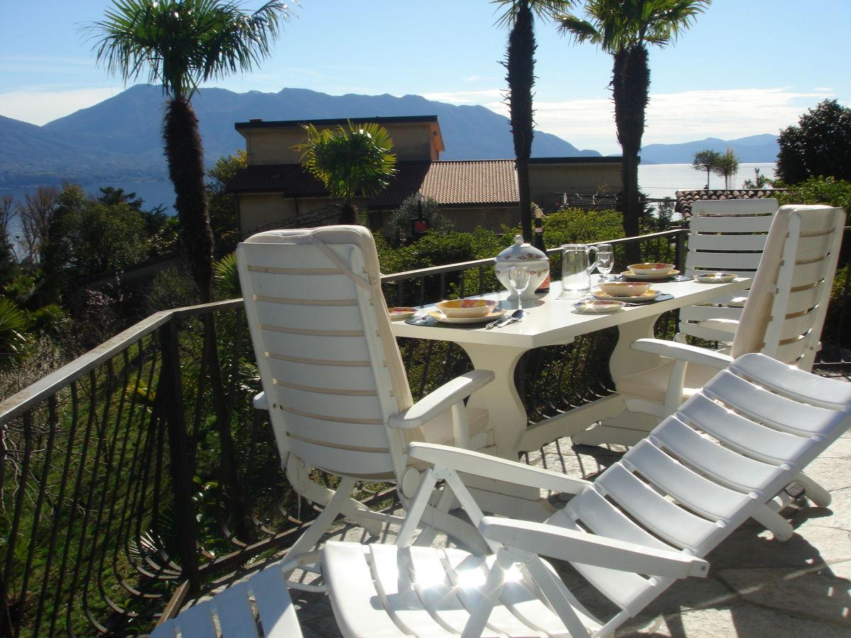 ferienhaus casa nonna lucia lago maggiore italien firma agentur zanetti frau marlis zanetti. Black Bedroom Furniture Sets. Home Design Ideas