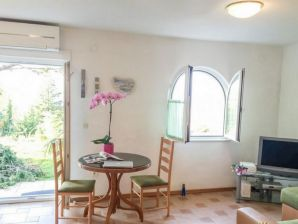 Holiday apartment Vjeko in Njivice on Krk