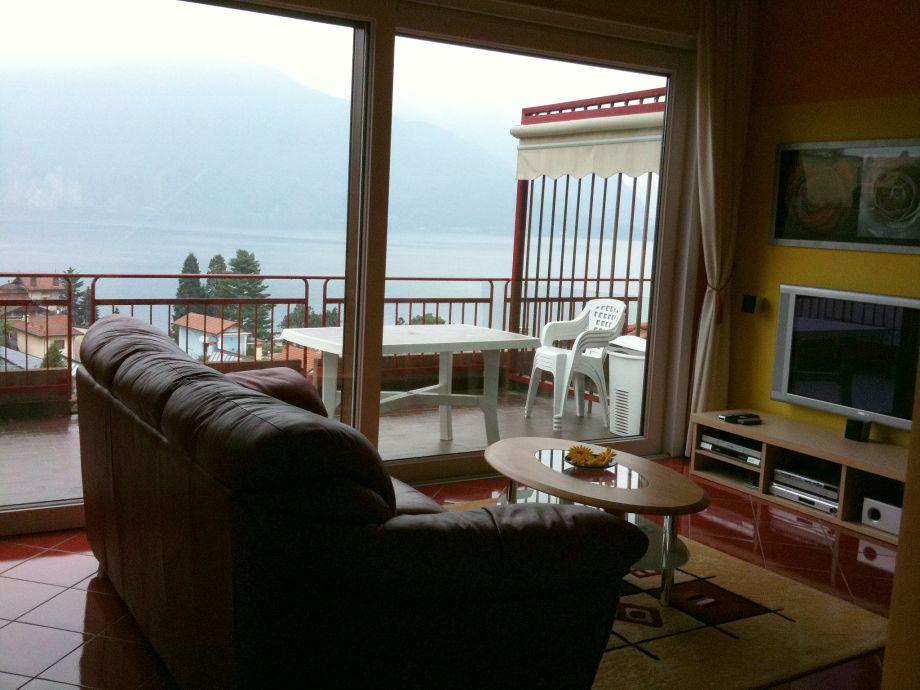 Wohnzimmeer mit Terrasse