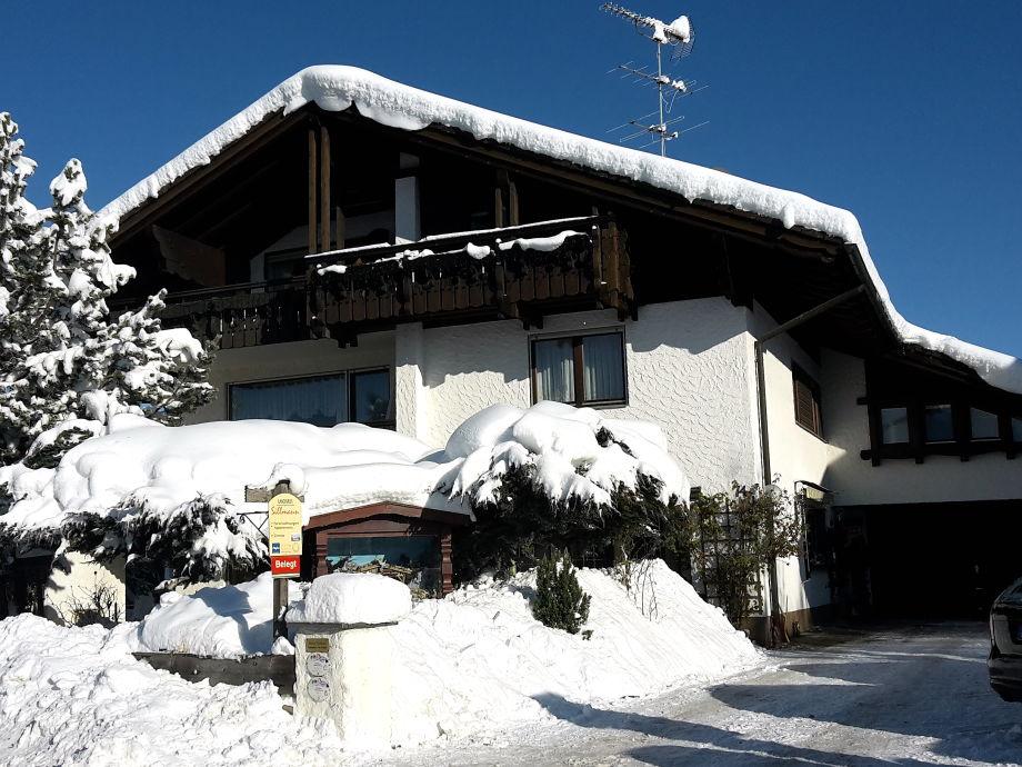 Außenansicht der Ferienwohnung im Winter!