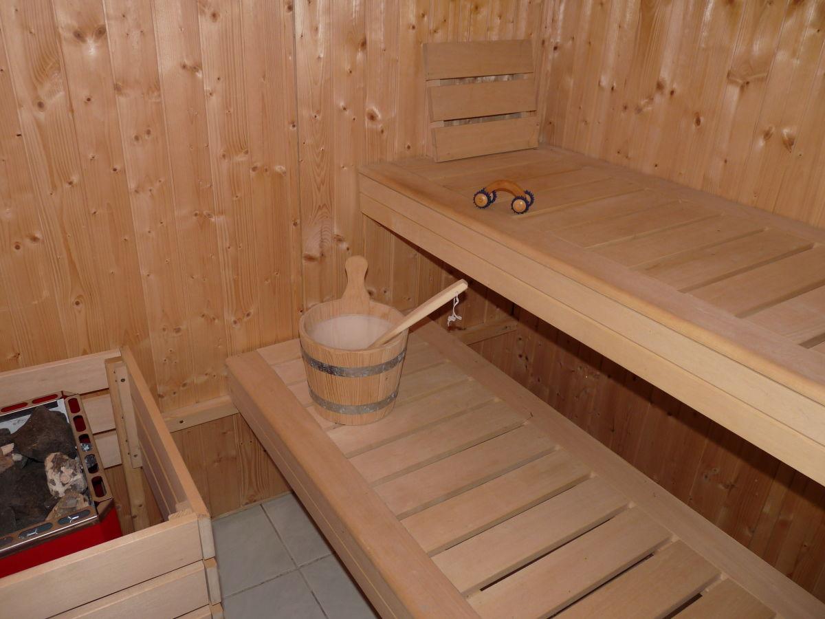 ferienhaus in tribsees mit sauna landschaftsschutzgebiet hellberge trebeltal firma. Black Bedroom Furniture Sets. Home Design Ideas