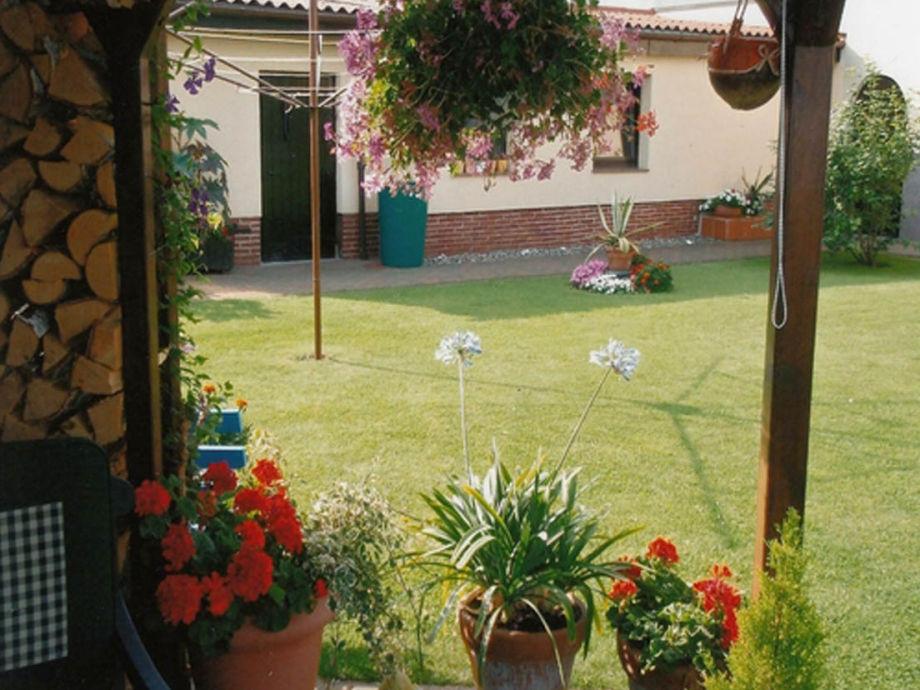 Garten am Haus der Ferienwohnung