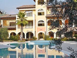 Ferienwohnung Apartment Porto direkt am Seeufer mit Terrasse