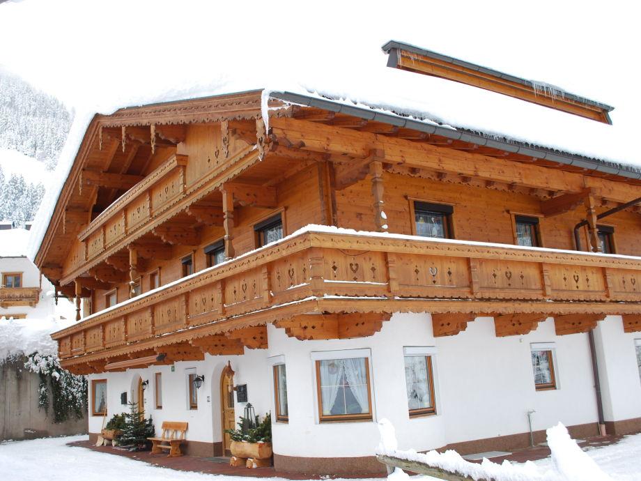 Haus Eberharter im Winter