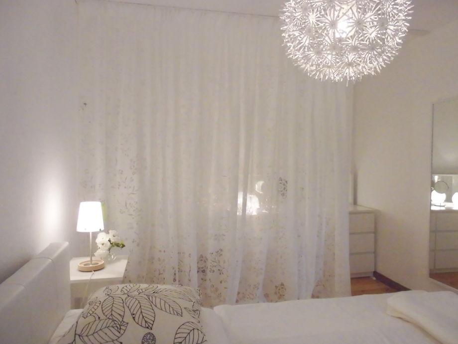 Schlafzimmer mit ankleide séparée
