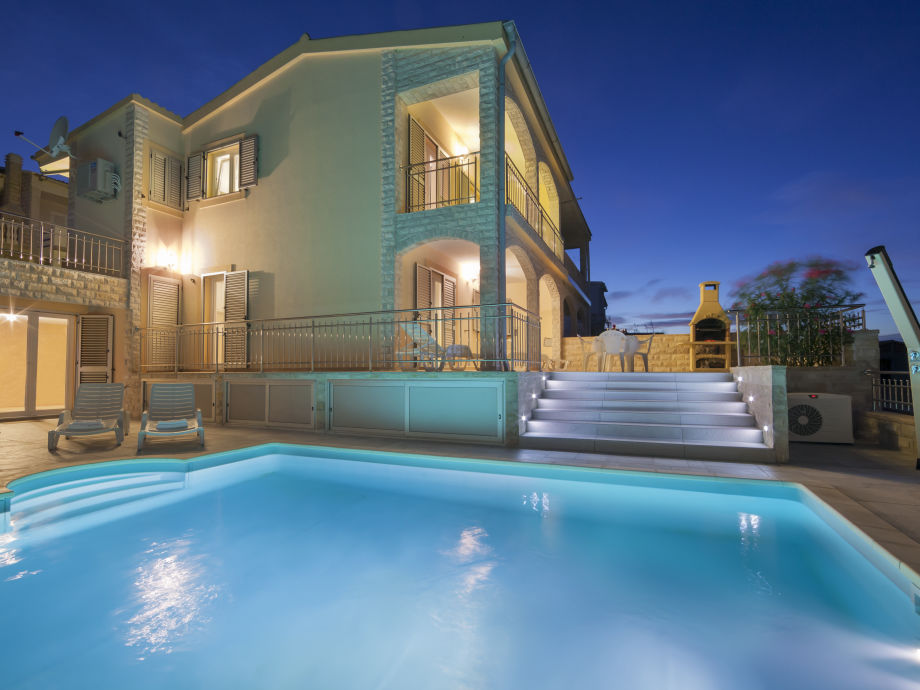 Swimmingpool im haus  Ferienwohnung 2 Holiday Dream mit Swimmingpool, Kroatien-Insel Pag ...