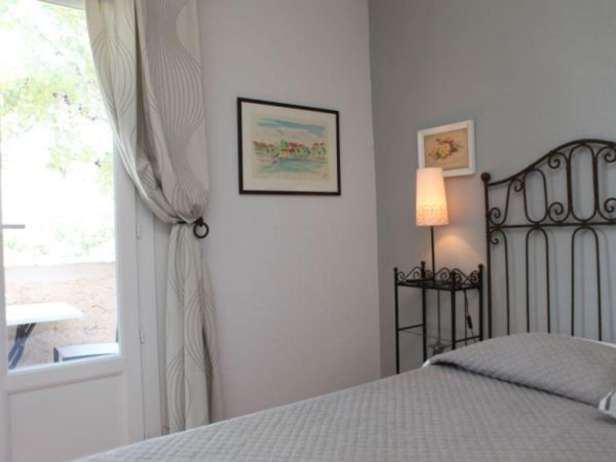 ferienwohnung soleil couchant im haus les eucalyptus french riviera firma les eucalyptus. Black Bedroom Furniture Sets. Home Design Ideas