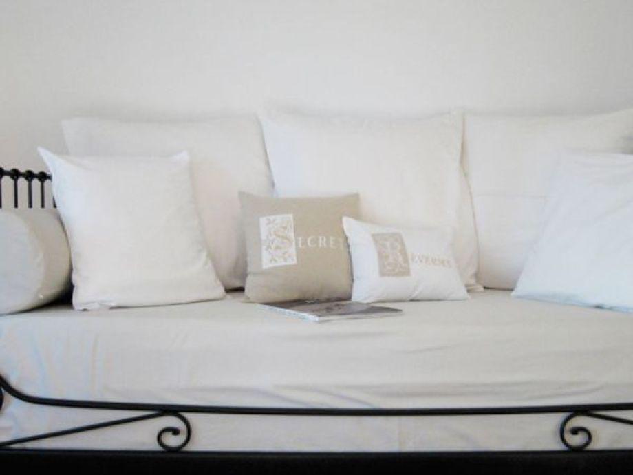 ferienwohnung coquillage im haus les eucalyptus c te d 39 azur firma les eucalyptus pampelonne. Black Bedroom Furniture Sets. Home Design Ideas