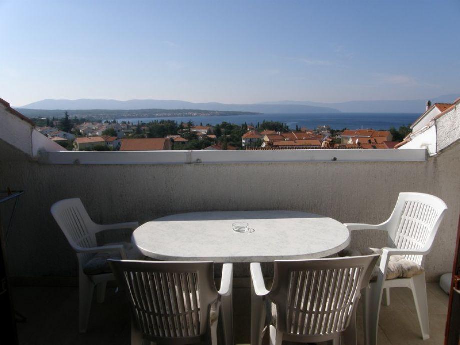 Balkon mit Sitzmöglichkeit für 4 Personen