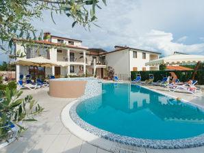 Ferienwohnung Portun Superior mit Pool