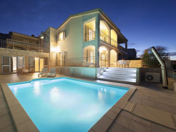 ferienwohnung 1 holiday dream mit swimmingpool kroatien insel pag herr zlatko birek. Black Bedroom Furniture Sets. Home Design Ideas