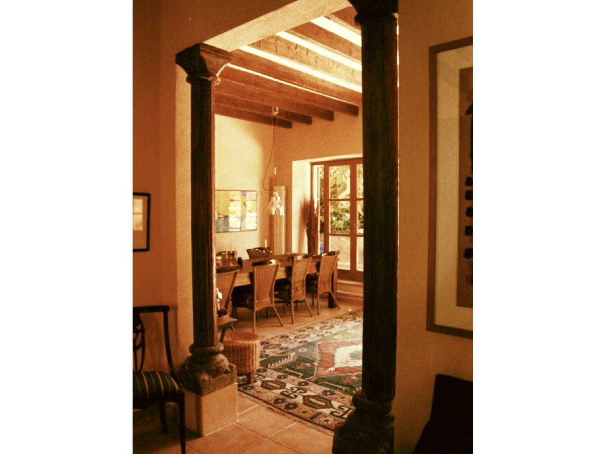 ferienhaus gro es stadthaus mit pool in capdepera spanien mallorca nordosten frau waltraud hick. Black Bedroom Furniture Sets. Home Design Ideas