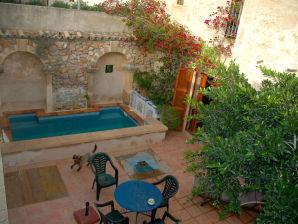 Ferienhaus Großes Stadthaus mit Pool in Capdepera
