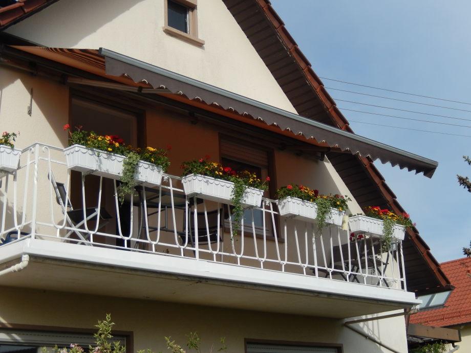 Ferienwohnung margaretha schwabische alb neckar alb for Markise balkon mit tapeten von hammer