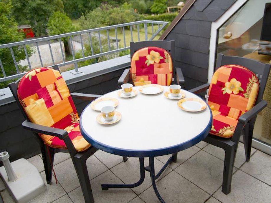 Schöner Sitzplatz auf dem Balkon
