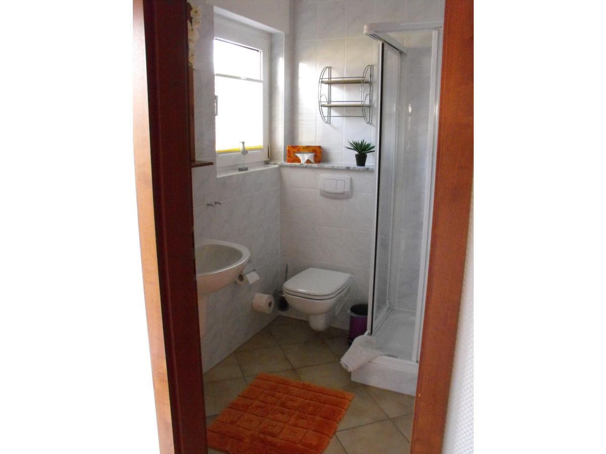 ferienwohnung wicka zentrale lage zwischen ostseebad binz und sellin herr j rn wicka. Black Bedroom Furniture Sets. Home Design Ideas