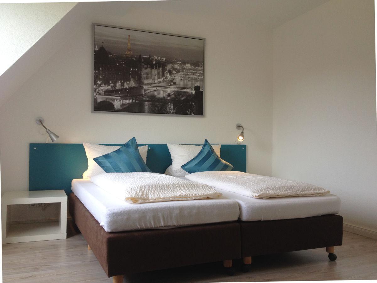 Ferienwohnung norderstedt modern und komfortabel hamburg nord firma aparwo frau kelly - Wohn schlafzimmer modern ...