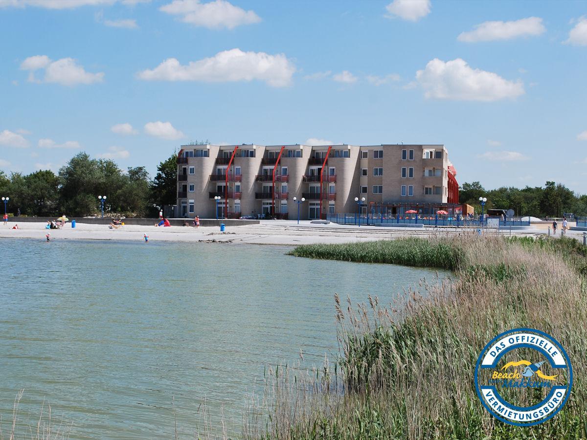 Ferienwohnung zuiderzee state makkum firma beach resort for Hotel in warnemunde direkt am strand