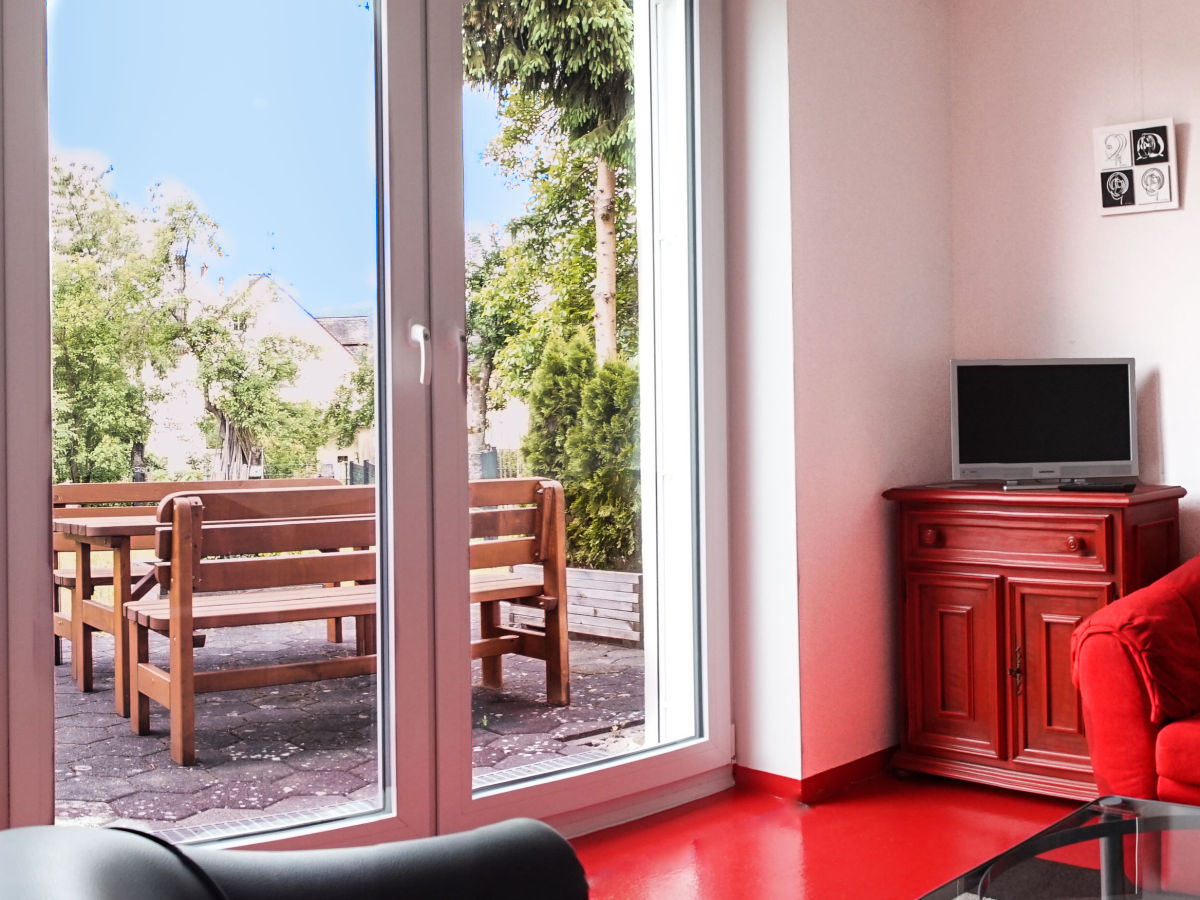 ferienwohnung lollipop mitten im ort mitten im gr nen. Black Bedroom Furniture Sets. Home Design Ideas