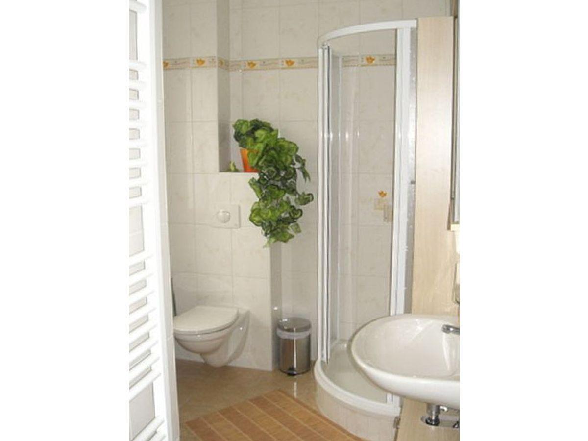 Offene Dusche Im Schlafzimmer : Zweite Schlafzimmer Badezimmer mit Dusche im Obergeschoss Badezimmer