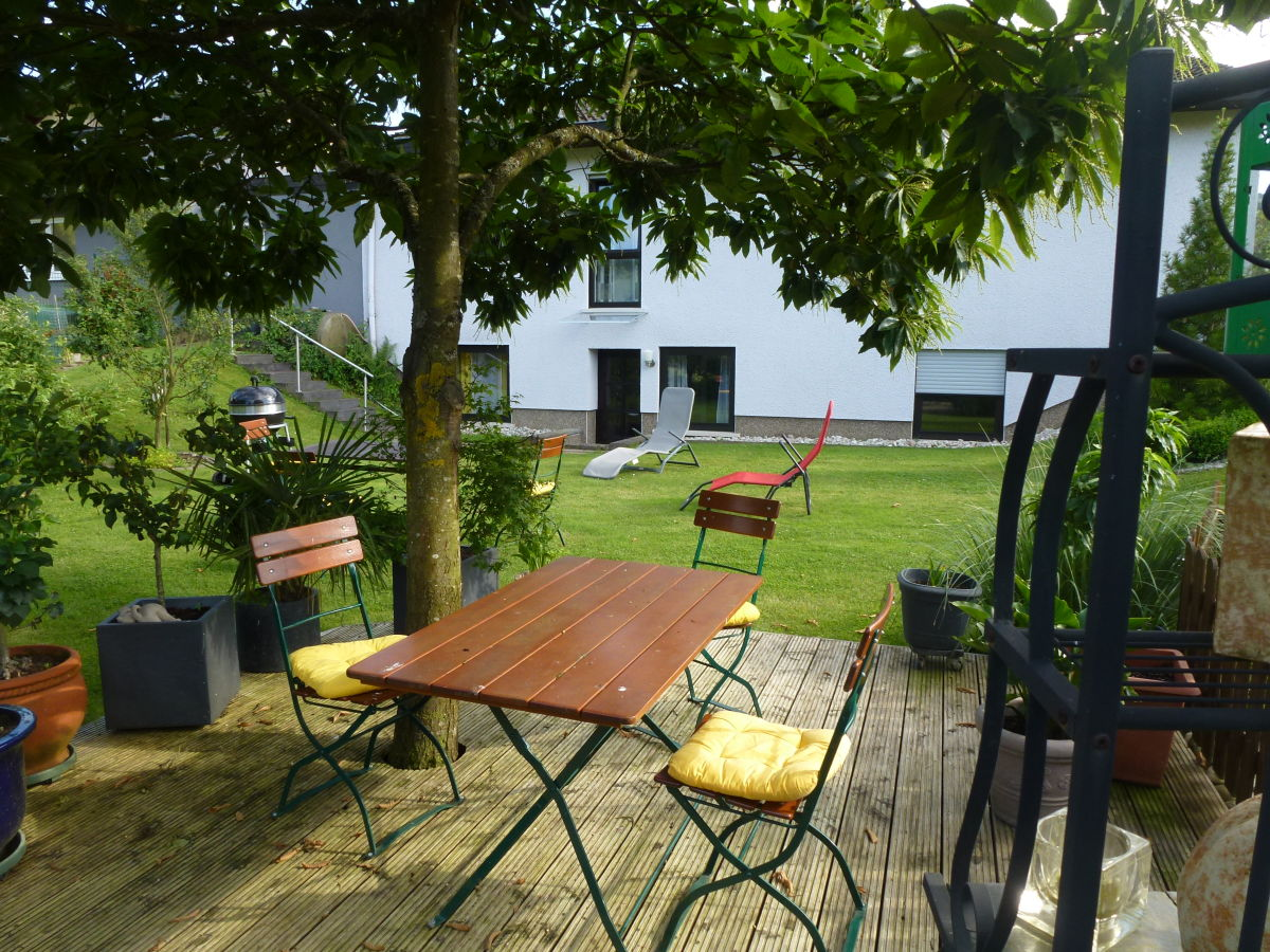 Ferienwohnung kaypinger mosel saar familie martina for Garten sitzgruppe