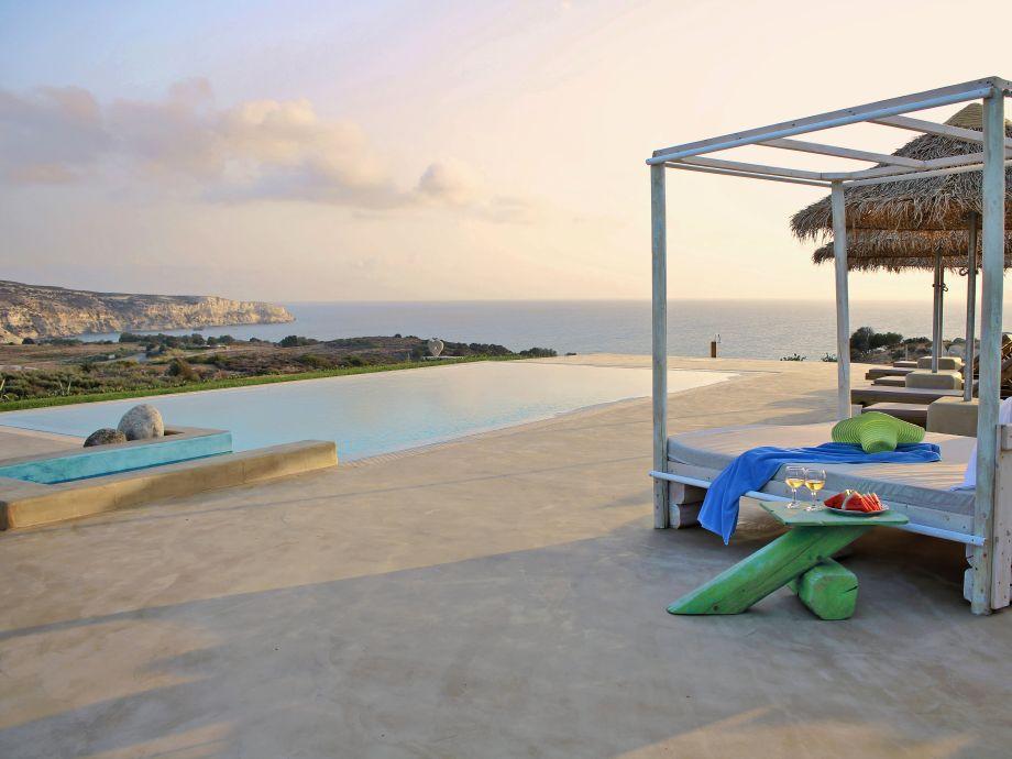 Villa am Strand Komos