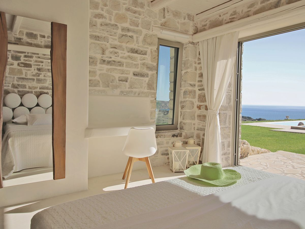 beachfront villa komos kreta pitsidia komos frau theodora mihova. Black Bedroom Furniture Sets. Home Design Ideas
