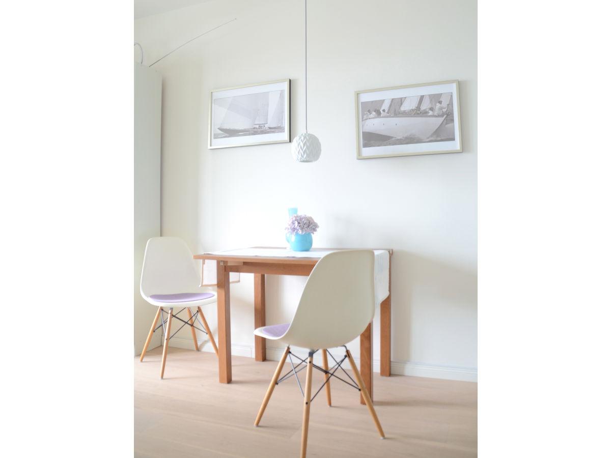ferienwohnung oceanview direkt am yachthafen laboe frau. Black Bedroom Furniture Sets. Home Design Ideas