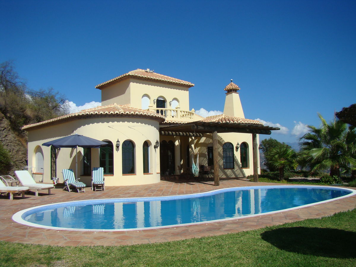 Ferienhaus casa castillo andalusien costa del sol algarrobo firma competa online fincas - Casa plus malaga ...
